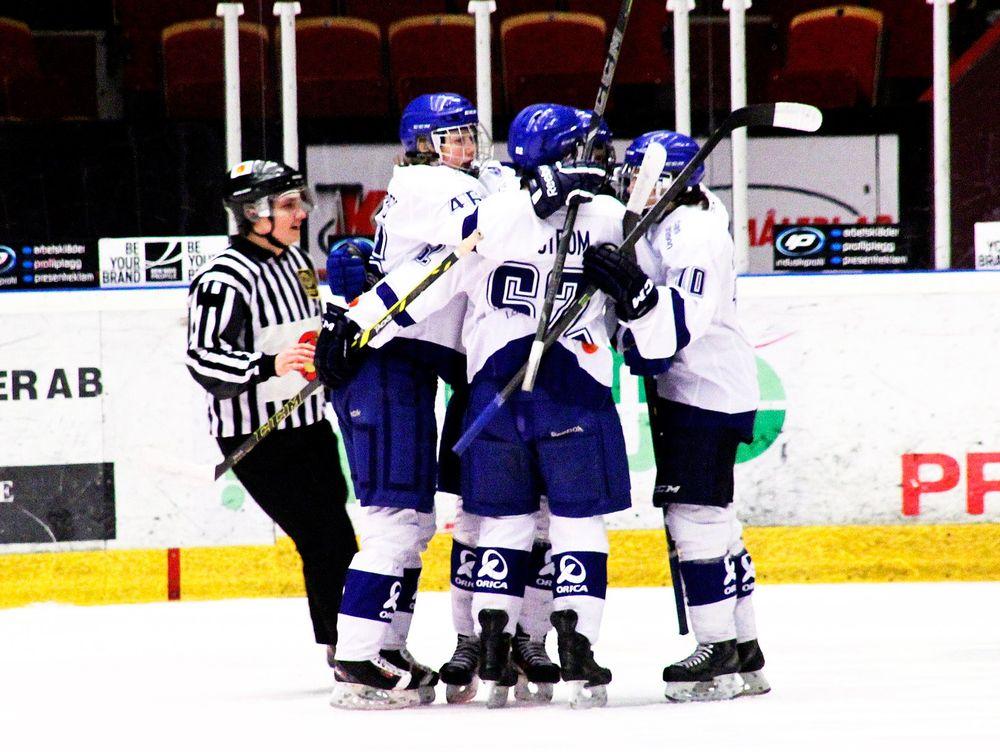 Hockeylegendarerna spelar match i orebro